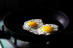 3 EASY STEPS to the perfect fried egg from Chef Marcus Samuelsson