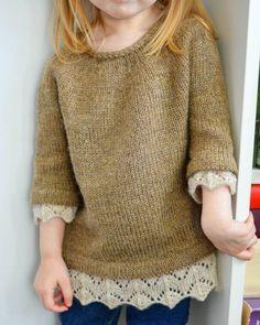 Best 11 Baby braids newest knitting patterns – Part 2 – SkillOfKing. Knitting For Kids, Baby Knitting Patterns, Knitting Stitches, Baby Sweaters, Girls Sweaters, Crochet Baby, Knit Crochet, Diy Vetement, Knitwear