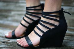black strappy wedges ; go jane