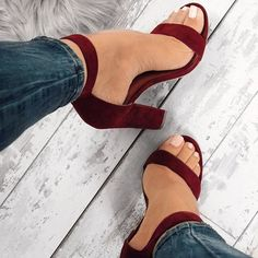 chaussures-sandales-a-talons-talons-talons-de-bal-sandales-a-talons-hauts-talons-hauts/ - The world's most private search engine Fancy Shoes, Pretty Shoes, Crazy Shoes, Beautiful Shoes, Me Too Shoes, Heeled Boots, Shoe Boots, Shoes Heels, Heeled Sandals