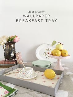 DIY wallpaper breakf...