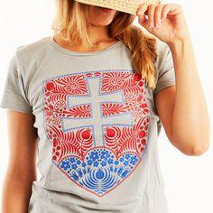 Slovenský ľudový znak - dámske či pánske tričko s folklórnym vzorom - znaka Slovenskej Republiky. Textiles, Mens Tops, T Shirt, Women, Fashion, Supreme T Shirt, Moda, Tee Shirt, Fashion Styles