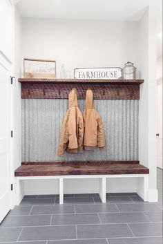 Rustic Laundry Rooms, Mudroom Laundry Room, Laundry Room Remodel, Mud Room Lockers, Mud Room Garage, Small Mudroom Ideas, Laundry Room Inspiration, H & M Home, Decoration
