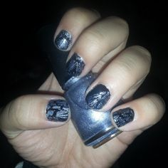 Silver crackle & black nails