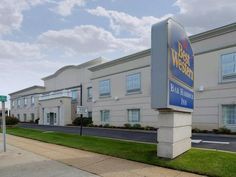 Massapequa Park (NY) Best Western Bar Harbour Inn United States, North America Best Western Bar Harbour Inn is conveniently located in the popular Massapequa Park area. Offering a variety of facilities and services, the hotel provides all you need for a good night's sleep. All the necessary facilities, including 24-hour front desk, facilities for disabled guests, express check-in/check-out, Wi-Fi in public areas, car park, are at hand. All rooms are designed and decorated to m...