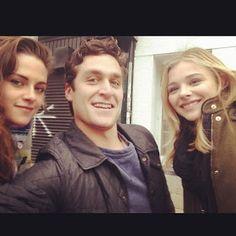 Robsten Dreams: New Fan Picture of Kristen and Chloe Moretz