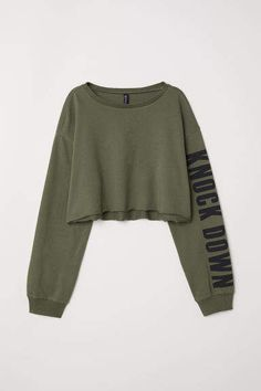 Short Sweatshirt - Khaki green/Knock Down - Ladies Crop Top Outfits, Edgy Outfits, Mode Outfits, Cute Casual Outfits, Pretty Outfits, Skater Outfits, Girls Fashion Clothes, Teen Fashion Outfits, Girl Outfits