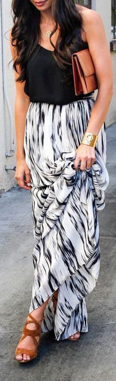 Street fashion printed maxi skirt | like the brown shoe & purse accessories