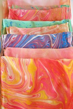 Beautiful summery silk scarves, patterns made using the marbling technique #marbling #diy