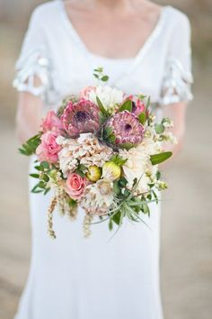 We have noticed an increase in using native Australian flowers in wedding bouquets this year and I think it is a wonderful idea to showcase our local fauna and foliage. Not only do the long lasting...