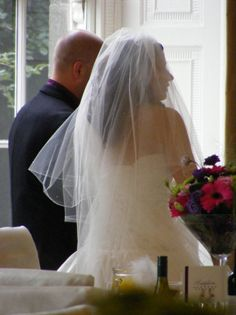 Interesting, humorous and weird wedding facts - marriage traditions