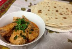 Chicken curry Chapati, Chicken Curry, Thai Red Curry, India, Ethnic Recipes, Food, Cilantro, Goa India, Essen