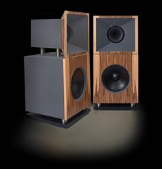 Mono and Stereo High-End Audio Magazine: Tobian Soundsytems Monitor 18FH full range horn speakers