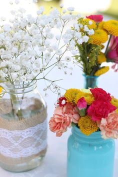 DIY: Burlap & Lace Mason Jar Flower Arrangements