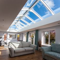 The Sieger 40 creates a beautiful ingress of natural light into a property. The elegant, slim aluminium frames allow the sunlight to beam straight down into the living or working space below, resulting in a bright interior space below. Lantern Roof Light, Aluminium Windows And Doors, Ceiling Finishes, White Ceiling, Natural Light, Beams, Luxury Homes, Lanterns, Living Spaces