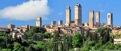 San Gimignano, lille men berømt middelalderby i Toscana.