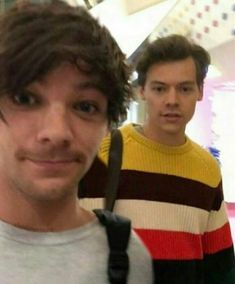 Find images and videos about one direction, boys and niall horan on We Heart It - the app to get lost in what you love. One Direction Fandom, One Direction Harry Styles, One Direction Photos, Direction Quotes, Larry Stylinson, Foto One, Larry Shippers, Louis Tomilson, Harry Styles Photos