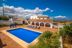 This villa has a last-minute offer: 10% off, if your stay starts before the 19-04-2021. Book now and benefit of the best rates. #costablanca #holidayspain #villa #benissa #calpe #moraira #turisol Spain Holidays, Vacation Villas, Swimming Pools, Park, Outdoor Decor, Benefit, House, Products, Swiming Pool