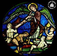 PARIS  - Musée National du Moyen Age : Vitraux de la Sainte-Chapelle