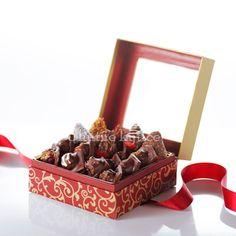 Lesné plody v čokoláde Container, Food, Essen, Meals, Yemek, Eten