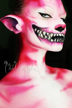 omg I really want to do the Chesire cat this year for some reason.this would be sooo amazing Cheshire Cat Face Paint, Chesire Cat, Cheshire Cat Makeup, Mascaras Halloween, Maquillaje Halloween, Cosplay Makeup, Costume Makeup, Halloween Make Up, Halloween Face Makeup