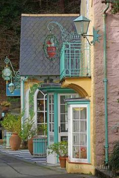 """Salutation"", Portmeirion village, north Wales."