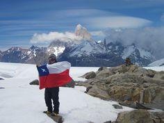 Al fondo el Fitz Roy. Patagonia Chilena. www.taringa.net Antartica Chilena, Patagonia, Darwin, Geology, Beagle, Mount Everest, Journey, Mountains, Villa