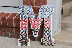 Initial Art, Custom Art, Beer Bottle Cap Crafts, Inexpensive, Touch of Tay Beer Bottle Crafts, Beer Cap Crafts, Diy Craft Projects, Diy Crafts, Craft Ideas, Initial Art, Beer Caps, Summer Crafts, Custom Art