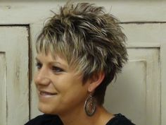 DSC00214 300x225 Learn How To Do A Trendy and Stylish Haircut With Short Hair