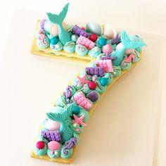 34 ideas birthday cupcakes for girls 2020 7th Birthday Cakes For Girls, Birthday Cupcakes, Disney Princess Birthday, Mermaid Birthday, Girl Cupcakes, Cupcake Cakes, Red Velvet Birthday Cake, Elegant Birthday Party, Birthday Bash
