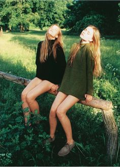 ZEIT Magazine – July 4th 2013  *  editorial: Naturschonheiten  models: twin sisters Inka Hoeper & Neele Hoeper  *  photographer: Lina Scheynius