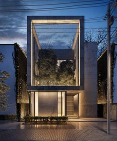 This residential project was designed by the architectural firm Line Design Architects, based in Kuwait. The most distinctive feature of the project came from the challenge of incorporating an urban garden as part of the exterior into the courtyard within the scheme. The structure, which resembles a perfect cube, has concrete walls. It is built in a small and narrow space, so it is developed with a vertical orientation. In..