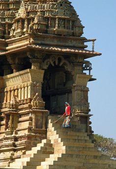 The Temples of Khajuraho, Madhya, Pradesh, India Copyright: Eugene Ward - UNESCO World Heritage Site Indian Temple Architecture, Architecture Antique, India Architecture, Temple India, Hindu Temple, Khajuraho Temple, Monuments, Amazing India, Templer