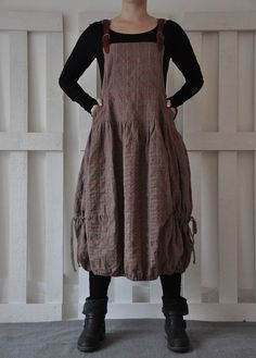 Posts about Lagenlook written by AlyZen Moonshadow Sewing Clothes, Diy Clothes, Mode Style, Style Me, Boho Fashion, Fashion Outfits, Womens Fashion, Mode Hippie, Apron Dress