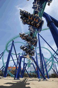 2015年夏登場「アクロバット」 #Nagashima resort, #Japan. #rollercoaster