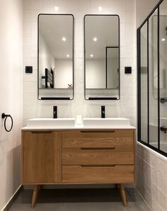 Bathroom Niche: Learn How To Choose And See Ideas With Photos - Home Fashion Trend White Bathroom Interior, Modern Bathroom, Small Bathroom, Bathroom Black, Bathroom Niche, Bathroom Wallpaper, Master Bathroom, Cottage Style Bathrooms, Bad Styling