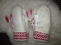Twine, Mittens, Diy And Crafts, Hello Kitty, Winter Hats, Beanie, Crochet, Inspiration, Fingerless Mitts