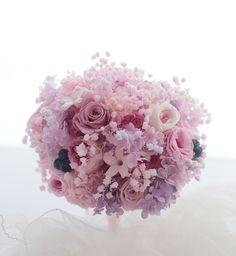 10シェアブーケと髪飾り ディズニーアンバサダーホテル様へ ちょこっとだけミッキー入り : 一会 ウエディングの花