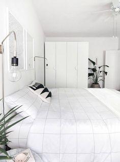 Modern Minimalist Bedroom Design Ideas You Can Copy Modern Minimalist Bedroom, Minimal Bedroom, Minimalist Home Decor, Modern Bedroom, Minimalist Scandinavian, Master Bedrooms, Scandinavian Style, Minimalist Interior, Minimalist Style