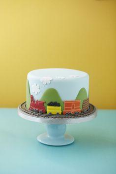 #CakeDecorating #Issue39 #Train Stencil #Cake