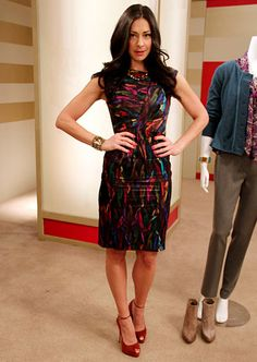 Stacy London Fashion Lookbook: What Not To Wear: TLC http://tlc.howstuffworks.com/tv/what-not-to-wear/stacy-london-fashion-pictures16.htm