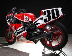 Yamaha TZ750 3
