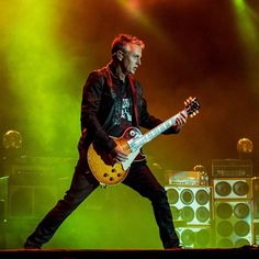 Pearl Jam - Mike McCready. Pretty sure this was the 2016 tour