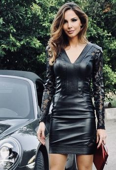 Black Leather Dress w. Lace Detail on the Arms Sexy Skirt, Dress Skirt, Sexy Women, Women Wear, Leder Outfits, Black Leather Dresses, Real Leather Skirt, Leather And Lace, Elegantes Outfit