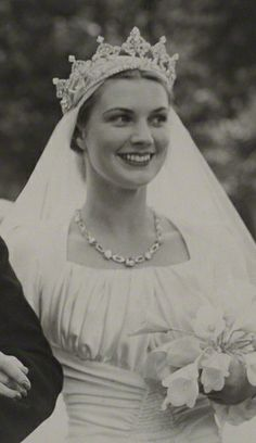 Anne Pearson, Viscountess Cowdray, wearing a Diamond Tiara, United Kingdom (diamonds). © National Portrait Gallery, London.