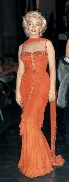 🌹🌹 The beautiful Marilyn Monroe! Orange Was A Great Color For Her!! 🌹🌹