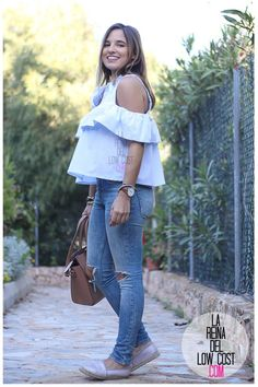 La Reina del Low Cost | tu blog de moda real. Off the shoulder blouse+ripped jeans+espadrilles+brown tote bag. Spring, summer outfit 2016
