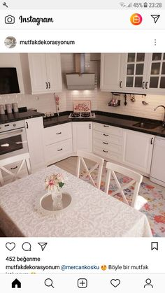 Küche The kitchen is cheered with patterned carpet, simple bathroom. Kitchen Room Design, Kitchen Rug, Interior Design Kitchen, Kitchen Decor, Kitchen Cabinets, Diy Kitchen, White Cabinets, Kitchen Ideas, Small Room Bedroom