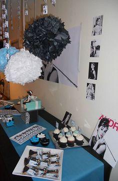 Una mesa dulce temática elegante de Audrey Hepburn