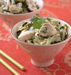 Poulet au curry vert, la recette d'Ôdélices : retrouvez les ingrédients, la préparation, des recettes similaires et des photos qui donnent envie !